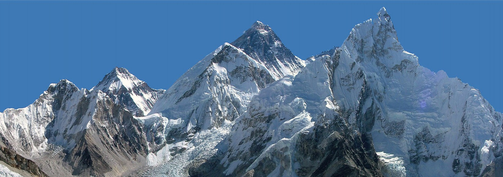 Gorgeousness of Mt. Everest and its Surroundings